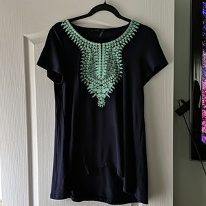 Embroidered top navy with mint detail